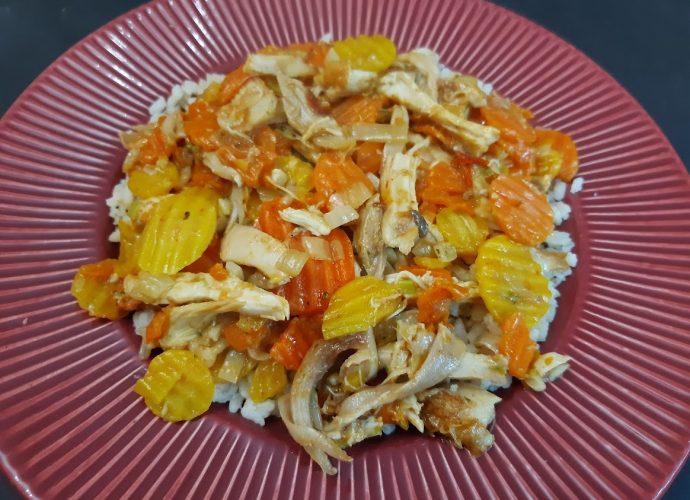 Maradék grillcsirke felhasználása: zöldséges csirkemell