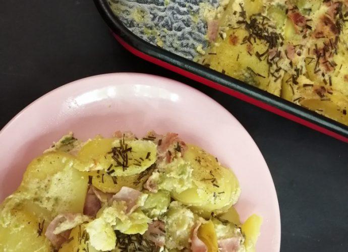 burgonyás egytálételkelbimbóval, sonkával
