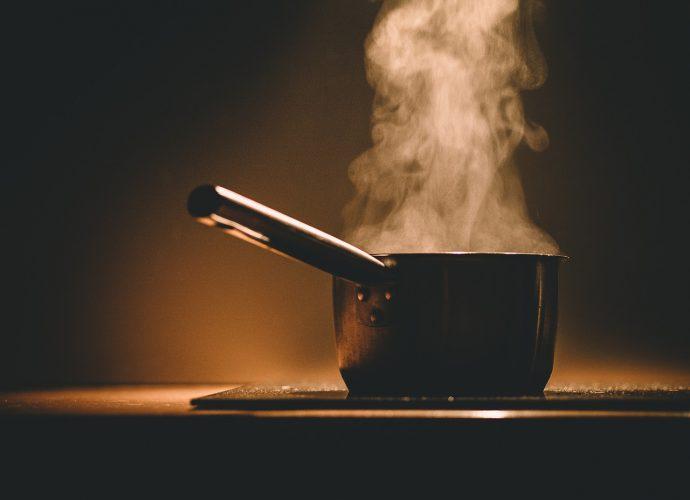 levesek, ételek sűrítése hanarás, leszórás, legírozzás