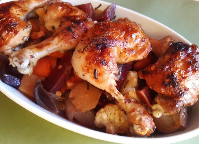 sütőzacskóban sült csirkecomb zöldségekkel