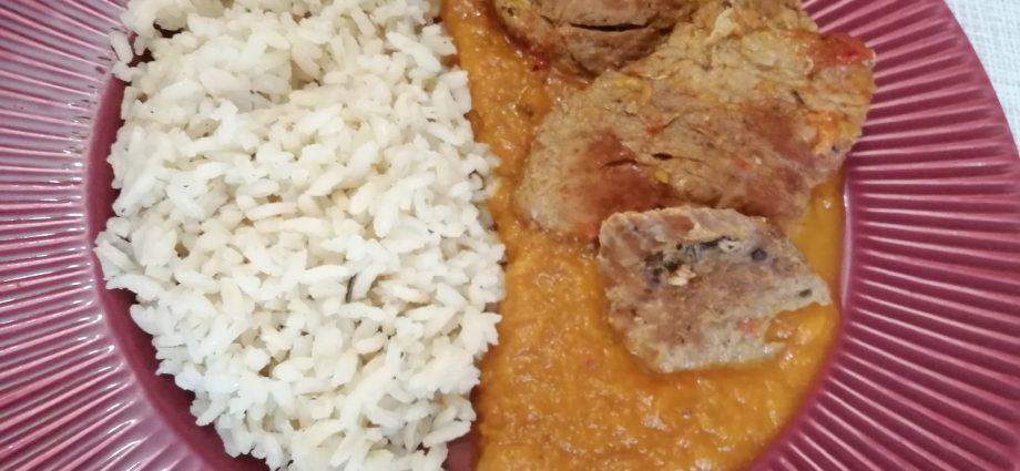sertéscomb receptek, zöldségraguban párolt sertéscomb